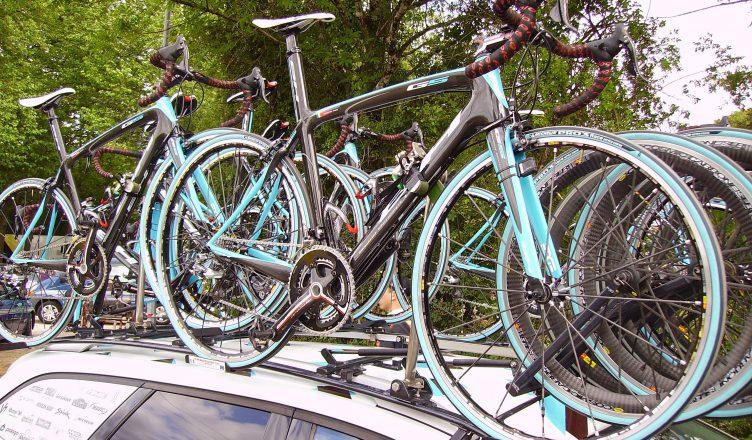 rowery na bagażniku dachowym