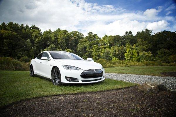 Samochód autonomiczny - Tesla S