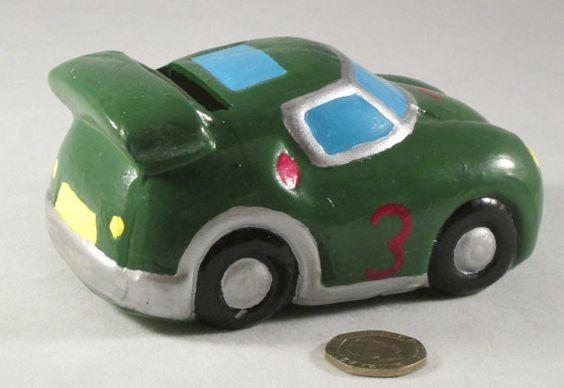 Skarbonka w kształcie samochodu