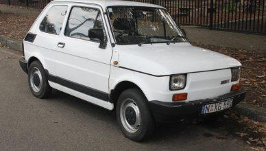 biały fiat 126p