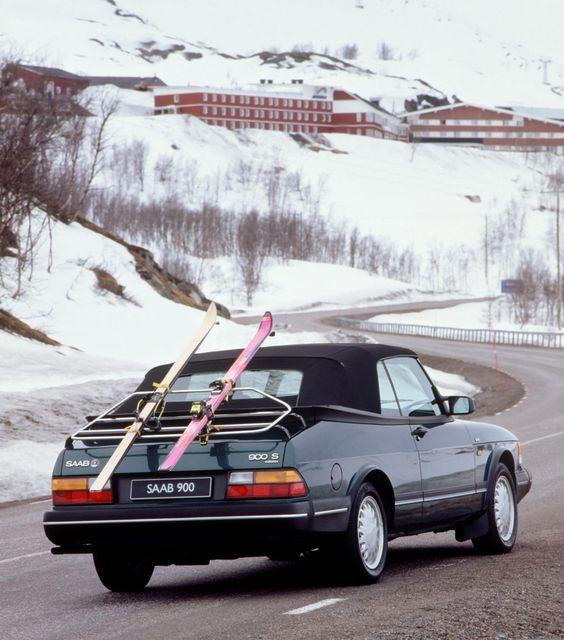 Auto przygotowane do wyjazdu na narty