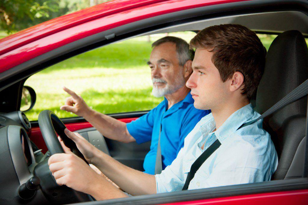 Zdałem prawo jazdy, ale nie jeżdzę sam