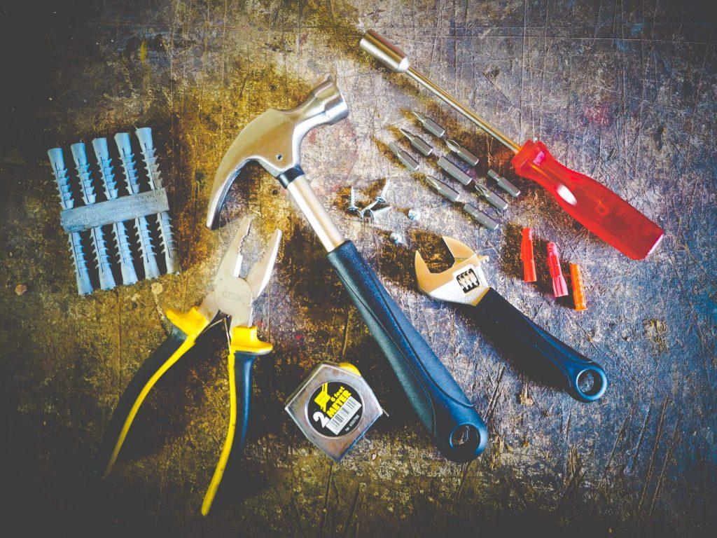 narzędzia do warsztatu samochodowego