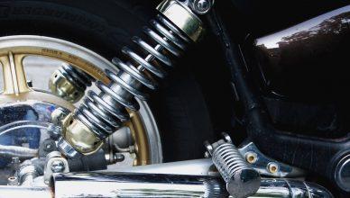 amortyzator w motocyklu