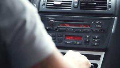 jak podłączyć radio samochodowe